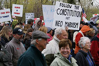 Boise Idaho Tea Party - Crowd Moves to State Capitol Building